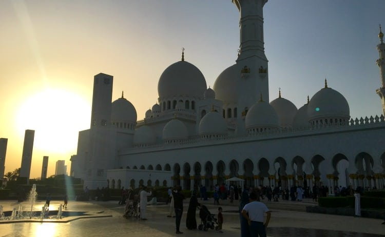 Tips For Visiting Sheikh Zayed Grand Mosque // Abu Dhabi