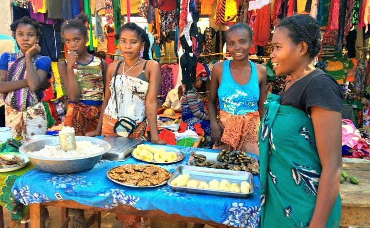 Image of Malagasy women at village market along the tsiribhina river