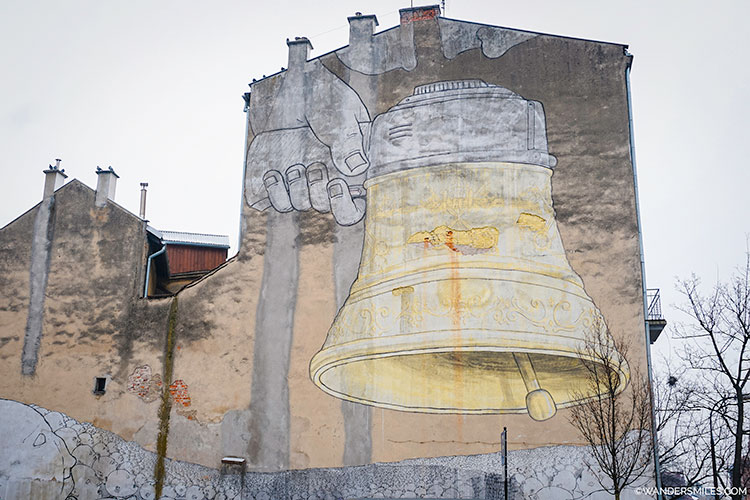 Ding Dong Dumb street art located in Piwna 3A in Podgórze, Krakow