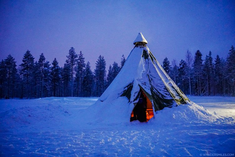 Lavvu (Finnish tee-pee) in the snow