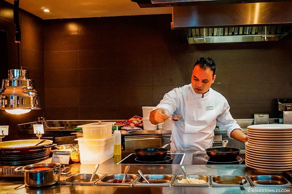 Omelette station breakfast-Le-Meridien Mina Seyahi-Dubai