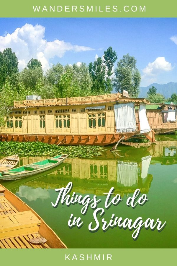 Stay on a houseboat on Nigeen Lake is a great thing to do in Srinagar