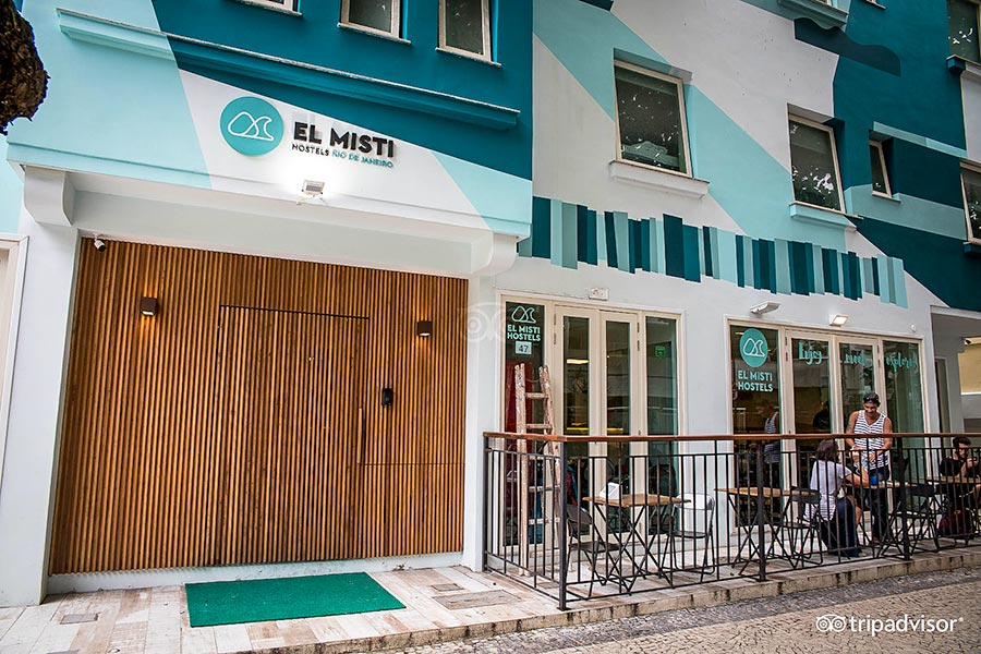Entrance to El Misti Hostel Ipanema