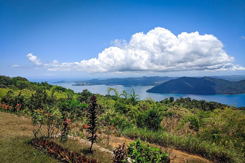 Hiking Komba Island