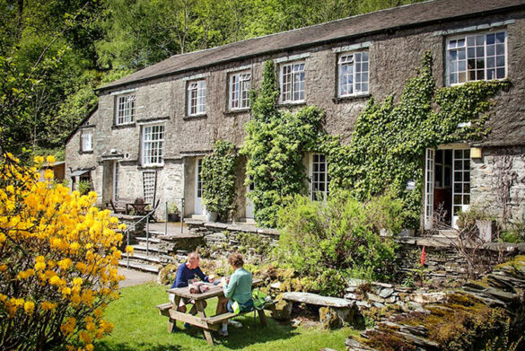 Gardens at Elterwater Independent Hostel In Ambleside - Eco-friendly hostel in the Lake District